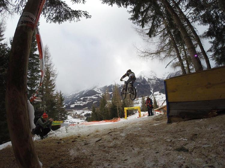 Spektakuläre Sprünge auf der Strecke. (Fotos: Neo Diesel Osttirol)