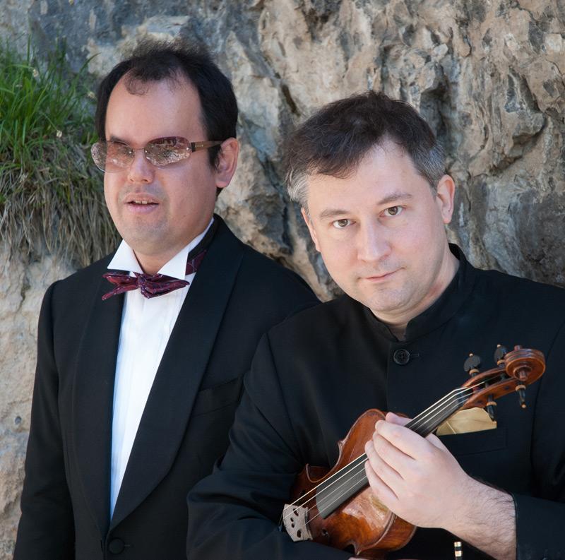 Die beiden Musiker reisen mit ihrem Repertoire erfolgreich die Welt.