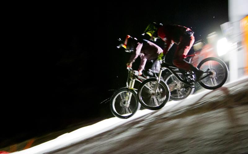 Bis in die Nacht hinein dauerte das Rennen.