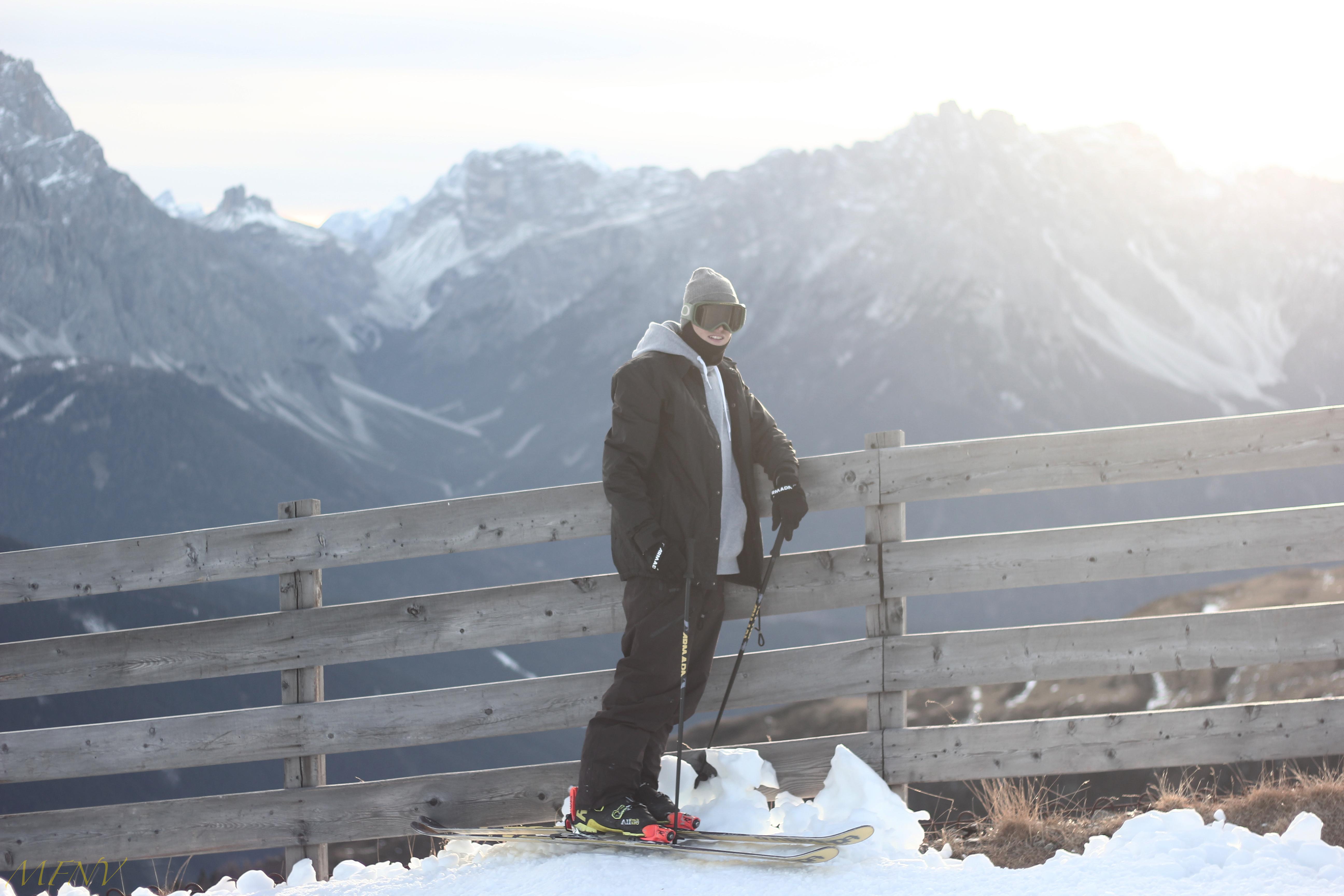 Und zwischendurch genießt Viktor Moosmann auch einmal die Berge. Foto: Marco Notter