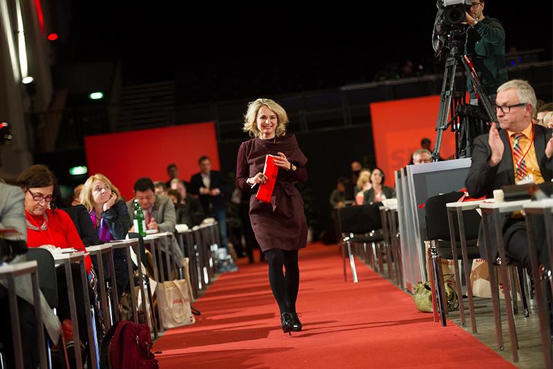 Red Carpet für Elisabeth Blanik beim roten Neujahrstreffen. Fotos: EXPA/Michael Gruber