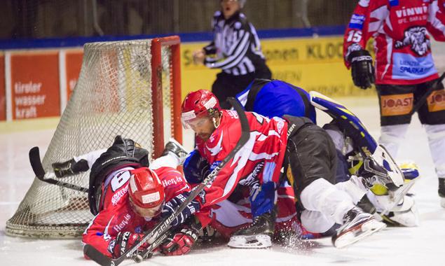Kaum eine Chance hatten die Lienzer am 9. Jänner gegen die Hubener Mannschaft. Fotos: Brunner Images