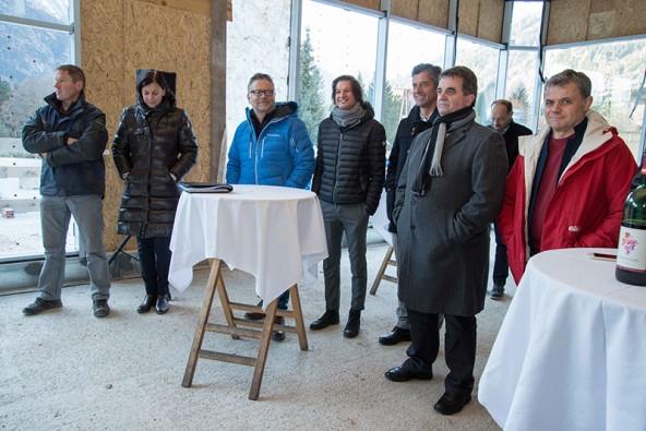Immer wieder wurde betont, wie gut das Teamwork bei diesem Projekt ist. Sabine Istenich (2.v.l.) leitet die Arbeitsgruppe. Rechts neben ihr die VP-Mandatare Karl Kashofer, Christian Zanon, Stephan Tagger und Meinhard Pargger.