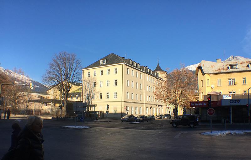 In den unteren Geschoßen des Postgebäudes soll eine Einkaufspassage entstehen. Foto: Dolomitenstadt/Pirkner