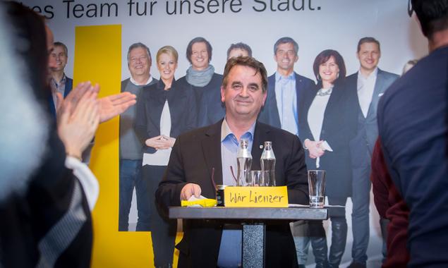 """ÖVP-Bürgermeisterkandidat Meinhard Pargger stellte sein Team """"Wir Lienzer"""" vor. Fotos: Brunner Images"""