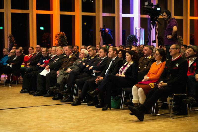 Rund 500 Einsatzkräfte folgten der Einladung von LH Günther Platter in die Messe Innsbruck zum Sicherheitsempfang.