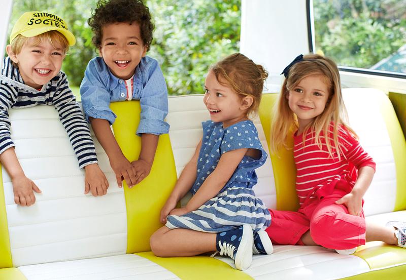 Bunte Frühlingslooks für Kids von 1 bis 5 bei United Colors of Benetton in Lienz. (Foto: S. Azario)