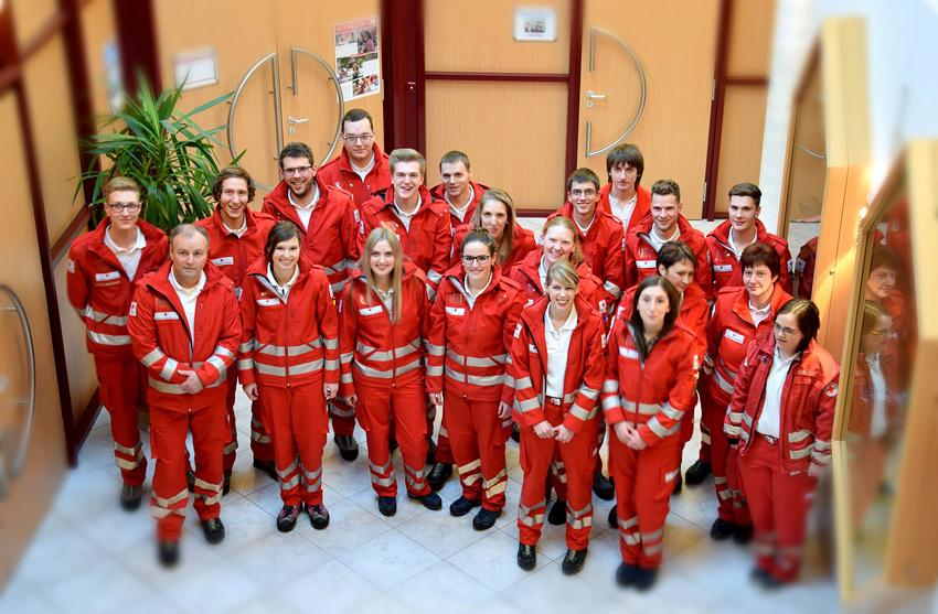 Die neuen RettungssanitäterInnen des Roten Kreuz Osttirol