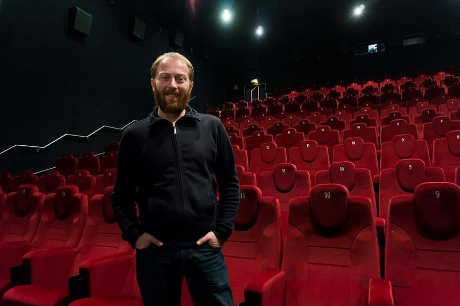 Alexander Vittorio Papsch-Musikars liebt das Kino seit seinem dritten Lebensjahr, ist Filmemacher aus Leidenschaft und drehte die Kinodoku Mondikolok 2020, die am 4. März im CineX Premiere feiert.