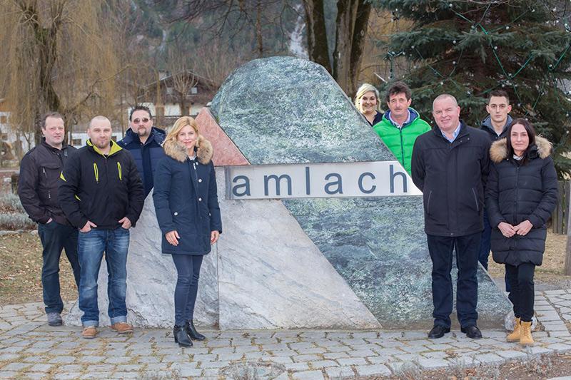 Silke Steiner (4.v.l.) mit den Mitgliedern ihrer Liste Amlach.