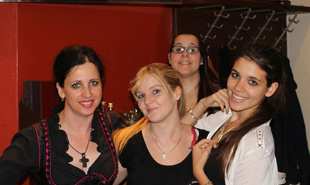 Schaut vorbei! Wir machen Party und das gleich drei Mal! Leni, Carmen, Angelina und Katerina.