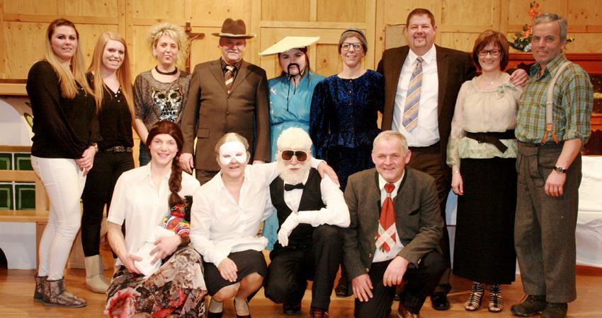 2016-theaterverein-hopfgarten-gruppenbild