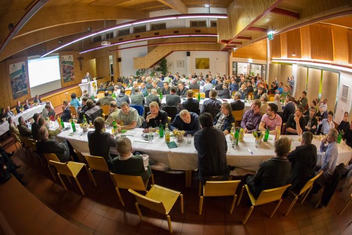 Delegiertenversammlung der Raiffeisen Genossenschaft Osttirol (RGO) am 8. April im Saal der landwirtschaftlichen Lehranstalt Lienz. Foto: Brunner Images
