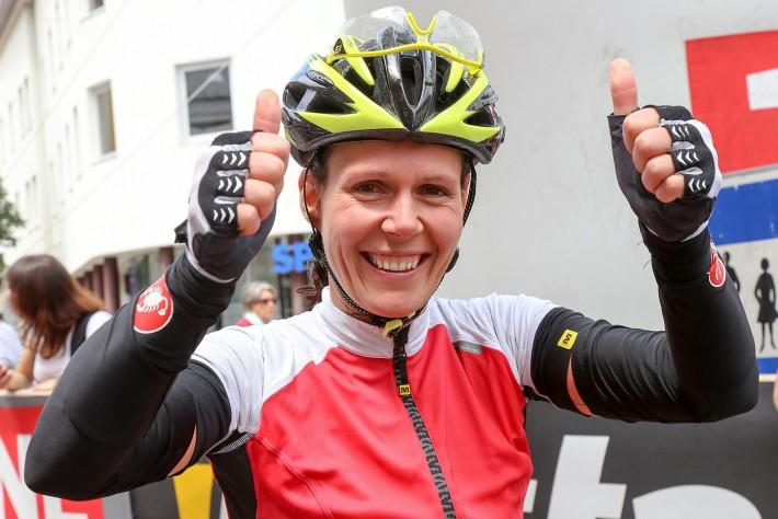 Die Steirerin Evelyn Zipper gewann die Frauenwertung der Dolomitenradrundfahrt.