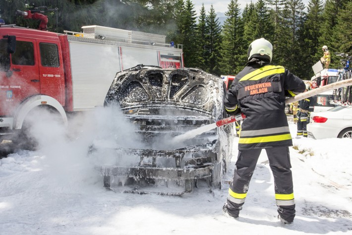 autobrand-dolomitenhuette-artikel