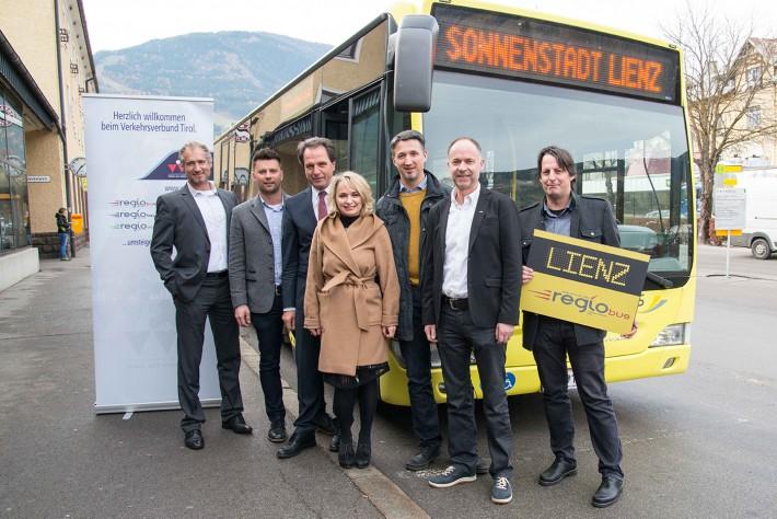 regiobus-mit-politikern-artikel